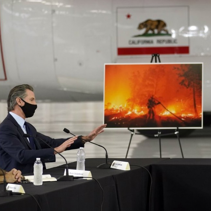 Gov. Gavin Newsom discusses wildfires with President Trump